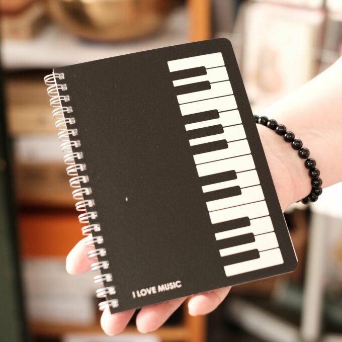 Notizbuch Musik Tastatur Design